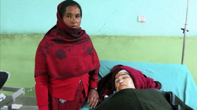 Nepal: parapléjica sobrevive 3 días enterrada
