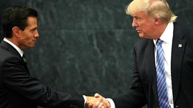 Peña Nieto se reúne con repatriados en AICM