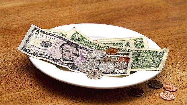 Si ganas propinas, NY te aumentará el salario