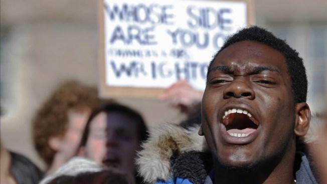 Policía mata a joven negro cerca a Ferguson