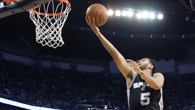 Spurs aplastan a los Kings en casa