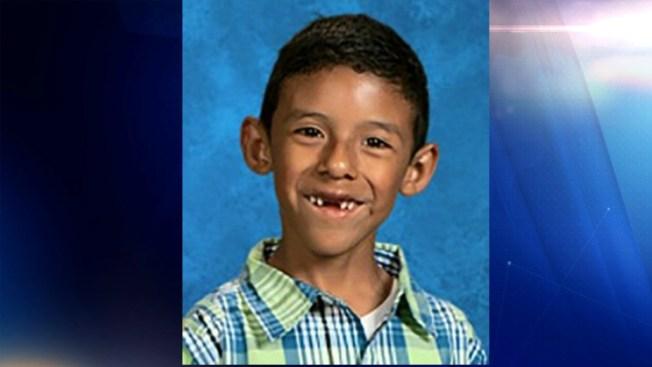 Muere un niño en el tiroteo de California