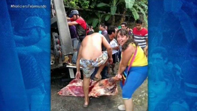 Saquean camión de carne en Venezuela