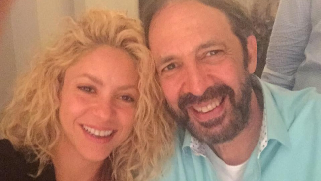 ¡Juan Luis Guerra atrapado en casa de Shakira!