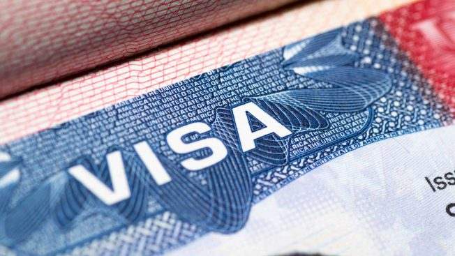 Abogado se declara culpable de lucrativo fraude con visas U