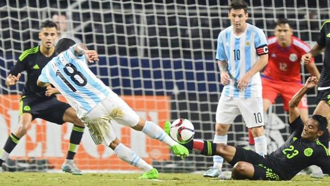 Gol de Messi empaña la celebración mexicana