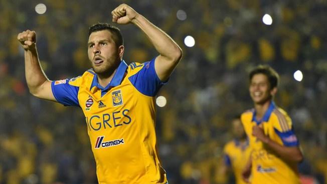 Tigres le gana a Pumas y acaricia el campeonato