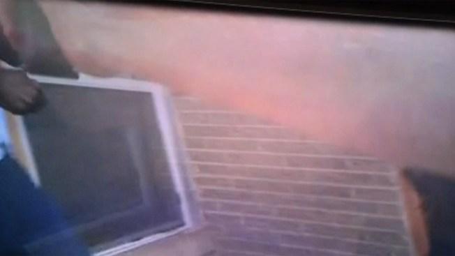Video muestra a policía en tiroteo mortal