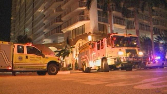 Evacúan 200 residentes por incendio