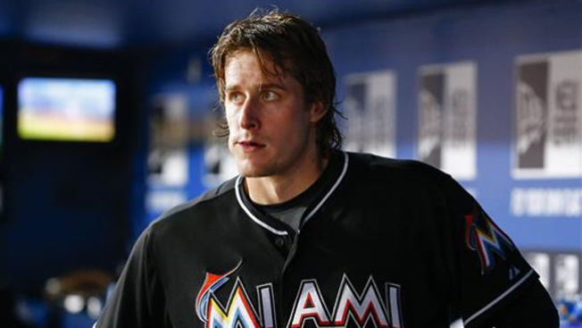 Los Marlins ganan la serie a Arizona