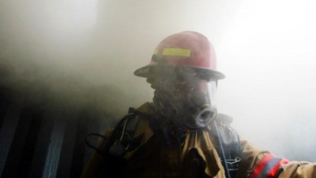 Busca Miami bomberos