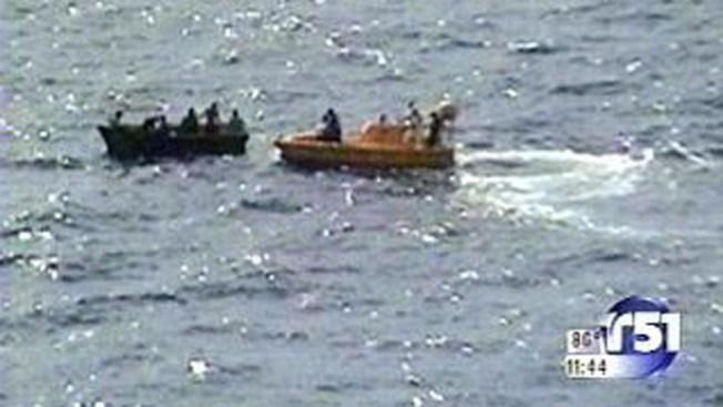 Barco con 28 cubanos atracó en Caimán Brac