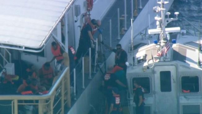 Rescatan 33 balseros cubanos en altamar