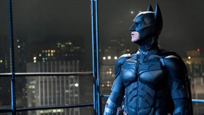 """The Dark Knight Rises"" recauda $160 millones"