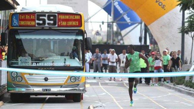 Usain Bolt nunca perderá el autobús