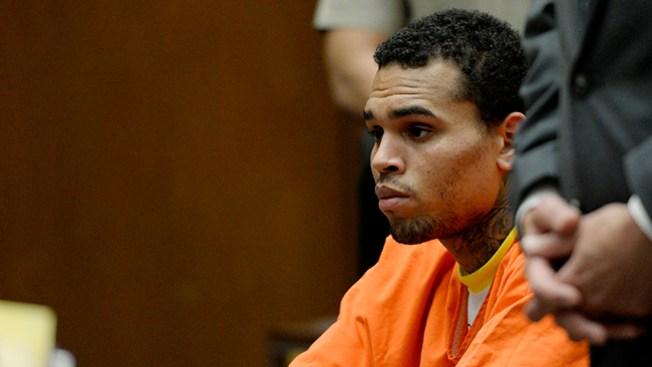 131 días más de cárcel para Chris Brown