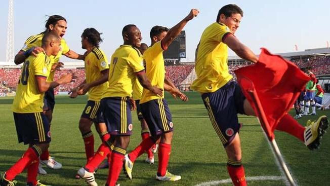 Colombia aplasta a Chile