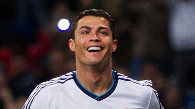 Cristiano Ronaldo, indocumentado