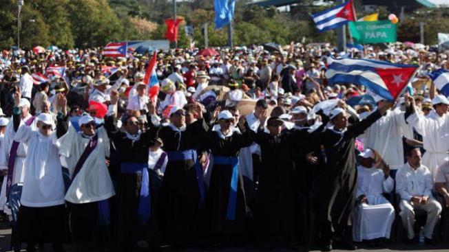 Cuba: te elogio y luego te arresto