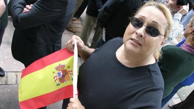 Miles de personas quieren ser españoles