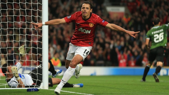 ¡Doblete de Chicharito!