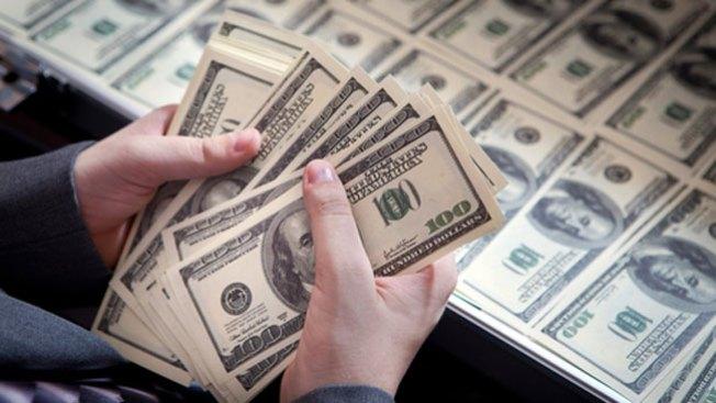 Venezuela devalúa su moneda 46,5%