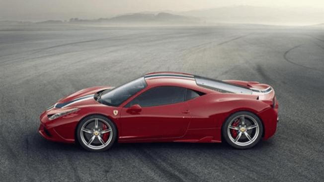 Roban un Ferrari a famoso futbolista