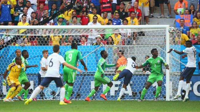 Francia ganó a Nigeria 2-0 y va a cuartos