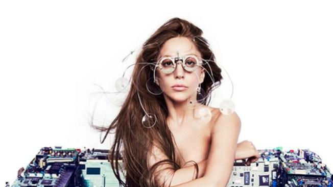 ¡Lady Gaga se desnuda en Twitter!