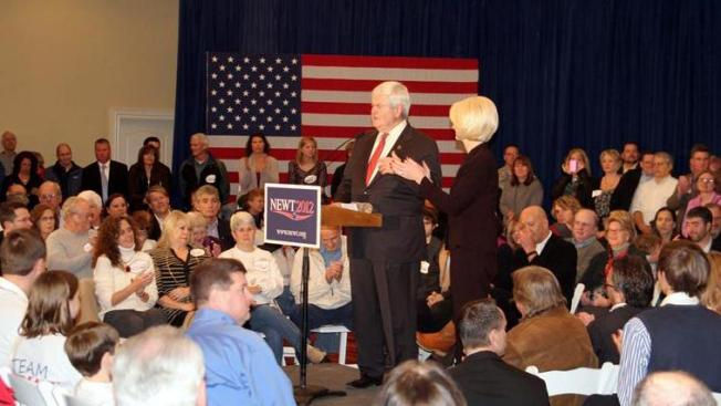 Gingrich alcanza a Romney