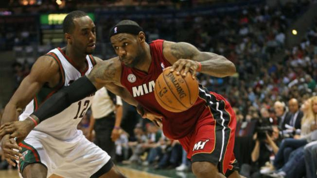 El Heat arrasa con Milwaukee