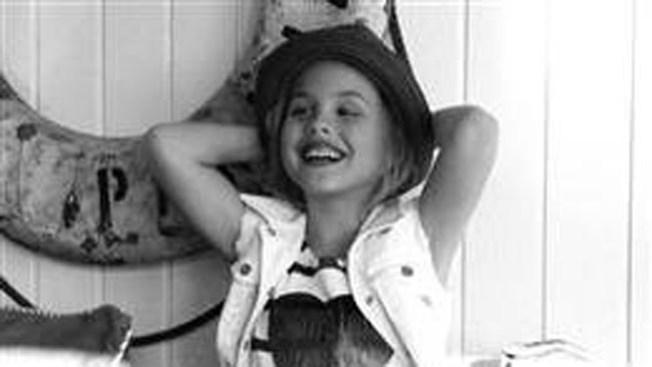 Hija de Anna Nicole, de modelo