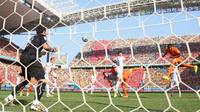 Holanda vence a Chile y gana grupo B