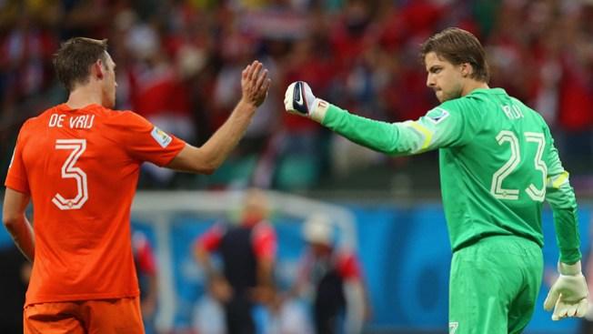 Holanda vence a Costa Rica en penales