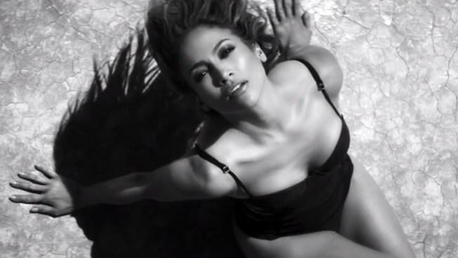 Jennifer López saca a la venta A.K.A.