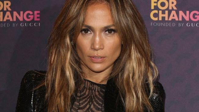 ¿Jennifer Lopez con un jovencito?