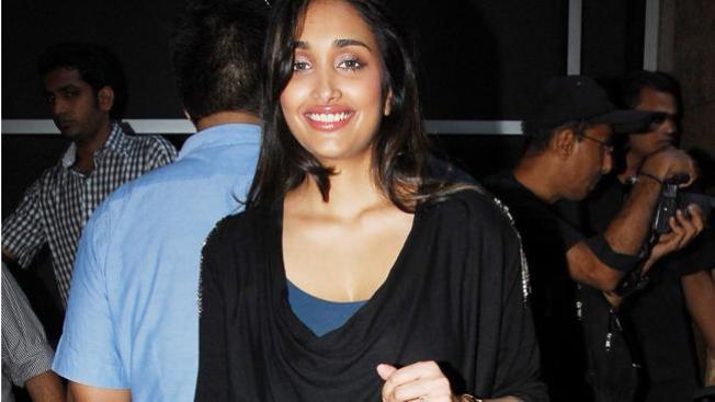 Se suicida famosa actriz de Bollywood