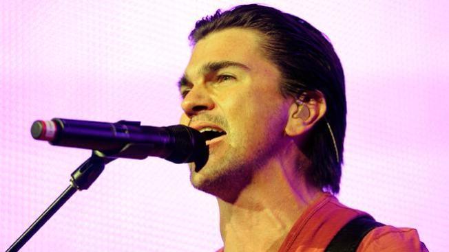 Juanes debuta como disk-jockey