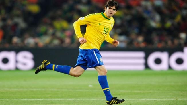 Convocan a Alves y a Kaká