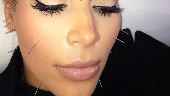 Kim Kardashian penetrada por agujas