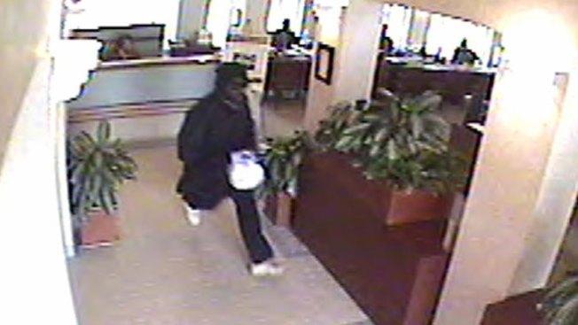 Buscan a  atracador de bancos
