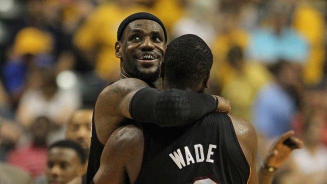 Lebron y Wade derrotan a Indiana