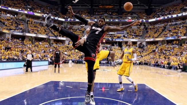 El Heat saca la casta de campeón, y gana