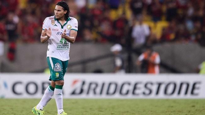 Pachuca vence León 2-1