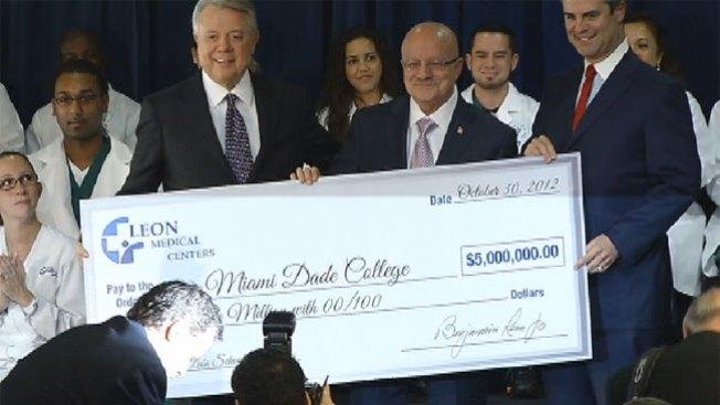 Donan $5 millones a MDC