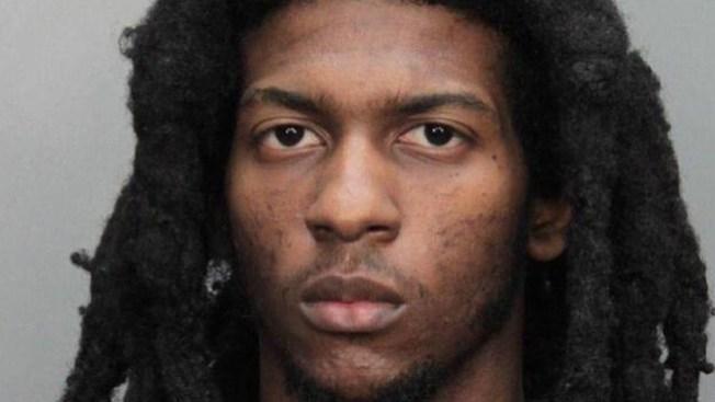 Arrestan sospechoso de triple asesinato
