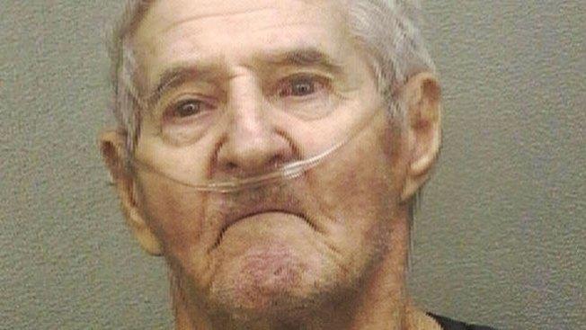 """Abuelito"" acusado de abusos"