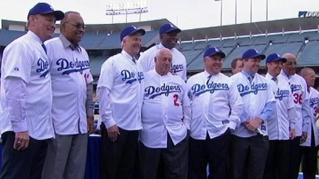 Dodgers busca a los latinos
