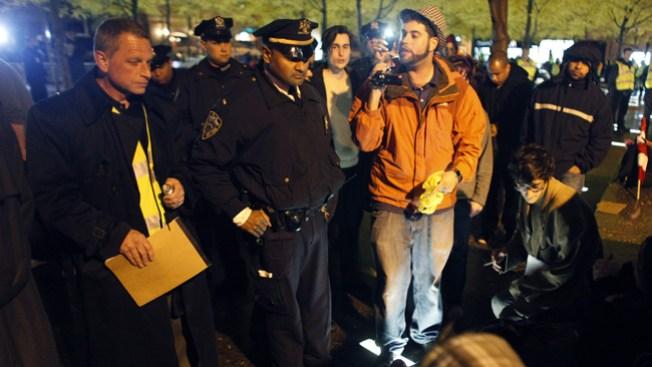 Contra viento y marea: protesta en NY continúa