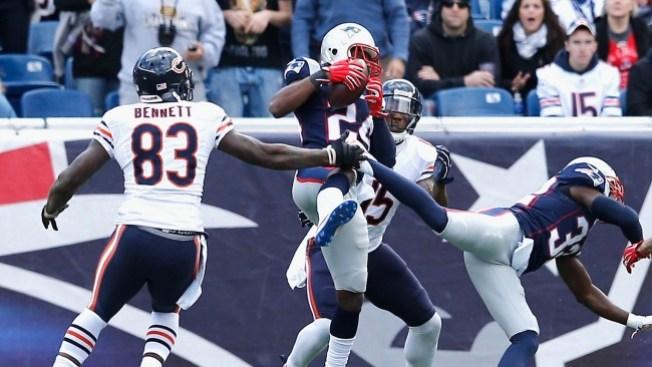 Patriots inspirados arrollan a los Bears